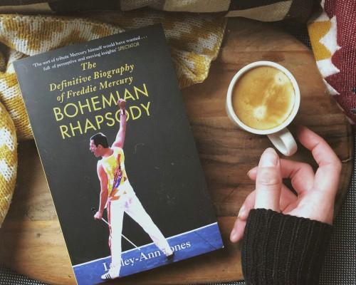 Recenzie - ''Bohemian Rhapsody - Adevarata biografie a lui Freddie Mercury'', de Lesley Ann Jones